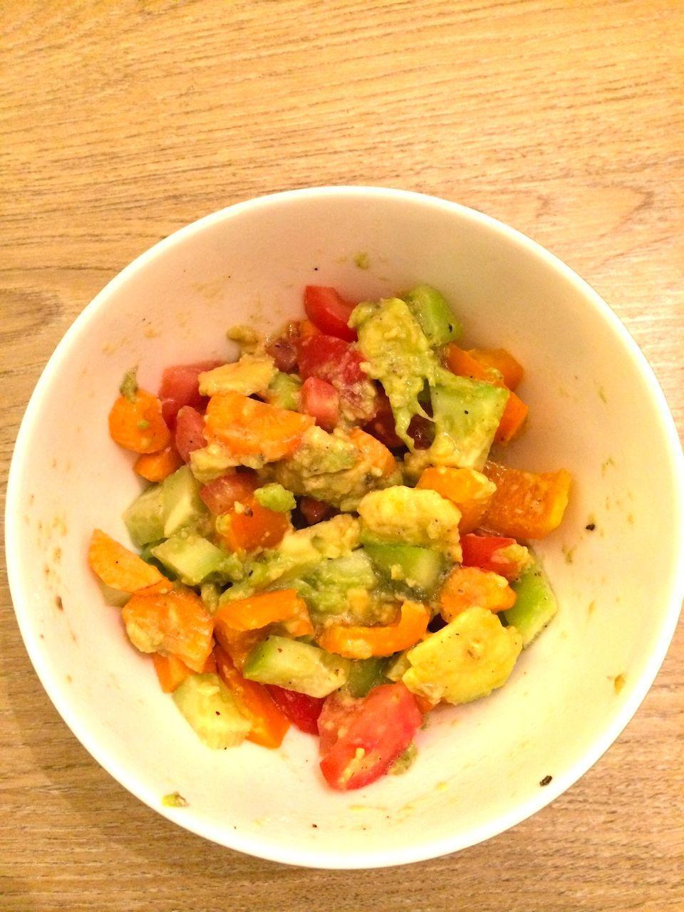 gemischter Avocadosalat ( 1 Portion)